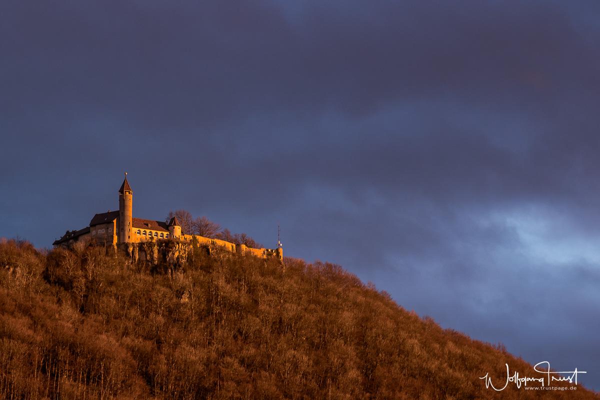 Burg Teck im Abendlicht