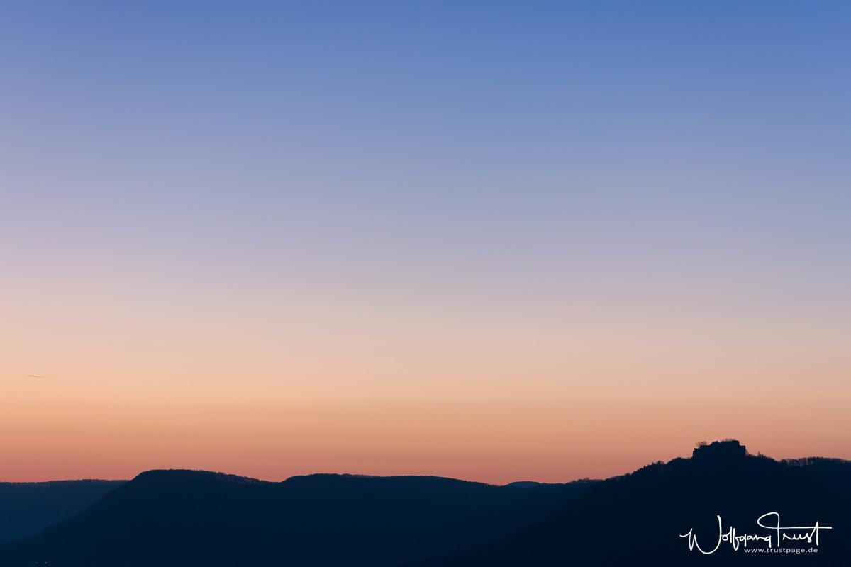 Tagesanbruch über dem Hohenneuffen